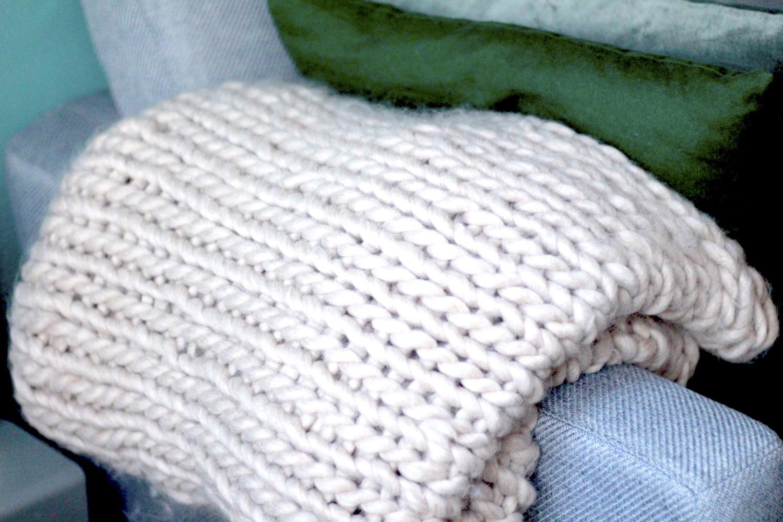 Deken handknopen - chunky knit eindresultaat